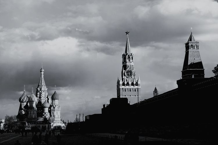 Architecture Travel Destinations Cloud - Sky Outdoors Politics And Government Kremlin Complex Red Star Kremlin Day Red Square Red Square Moscow Kremlin Architecture Russia Russia Moscow Moscow, Russia Tourism Black And White Photography Blackandwhite Photography Spirituality