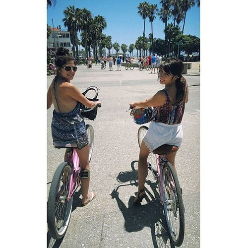 Better watch out Cali.. You have two sisters crusin the streets on bikes 😎 Summa Thosetanlines Beepbeep Cardio