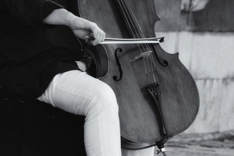 Il violino nero Blackandwhite Emotional Photography Music One Person Human Body Part Musical Instrument Arts Culture And Entertainment Musician One Man Only People Musical Instrument String Human Hand Day