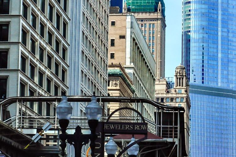 Check This Out Taking Photos Architecture Cityscapes Concrete Canyon Learn & Shoot: Layering The Architect - 2015 EyeEm Awards Walking Around Chicago ♥