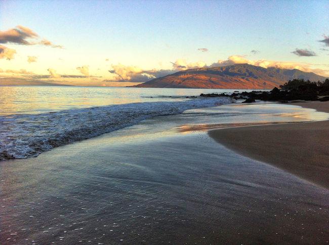 Maui Reflection Ahhh Beach Beauty In Nature Close-up Coastal Coastal Walk Day Horizon Horizon Over Water Maui Hawaii Mauiphotography Nature No People Outdoors Peaceful Scenics Sea Sky Sunset Tranquil Scene Tranquility Water Wave
