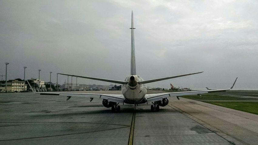 AirPlane ✈ Pilot Airport EMB195