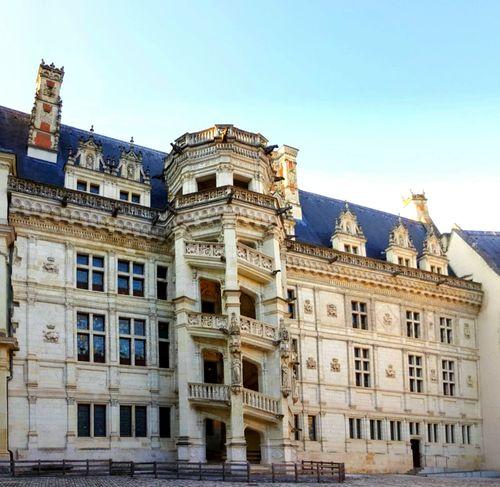 Escalier En Colimaçon Blois Chateaux Facades