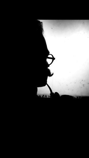 IPhoneography Photography Artist Smoking Glasses Mustache Traveling Travel People Watching People