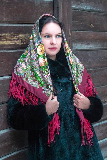 Beautiful Retrato Beauty Russia Pañuelo Siberia Scarf Russian Girl Russian Woman Portrait One Person Guapa Winter Mujer Rusa Chica Rusa Russian Style Estilo Ruso Young Women Beautiful Woman One Woman Only Young Adult Only Women People Adult
