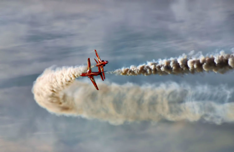 Airplane Cloud Flight Flying Jet Mid-air Red Arrows Red Arrows Air Display Reds Sky Transportation