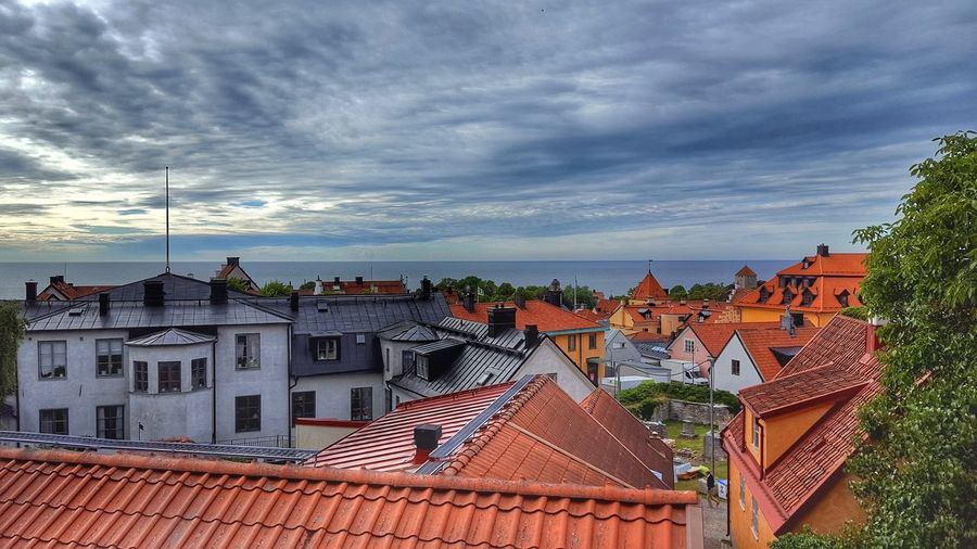 Outdoors Building Exterior Cloud - Sky Day Roof Sky Architecture Horizon Over Water No People Built Structure Cityscape City Politics And Government öjn Politikerveckan2017 Visby2017 Visby Gotland