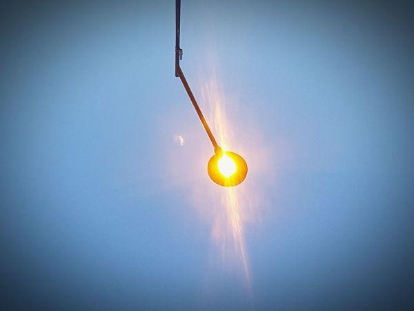 --- *Focus on the light* --- Lighting Equipment Light Up Your Life Light Reflection Light Idea Ideas Are Everywhere Streetlights And Sky Streetlight Shooting Paris Evening
