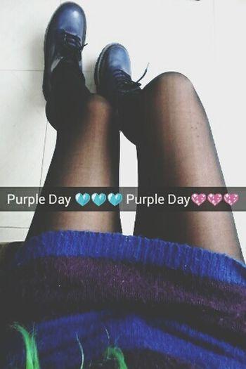 Snapchat:linnethrivasTaking PhotosTaking Photos That's Me Enjoying Life Snapchat Colorfulhair First Eyeem Photo Snapshot Snap Chat Legs