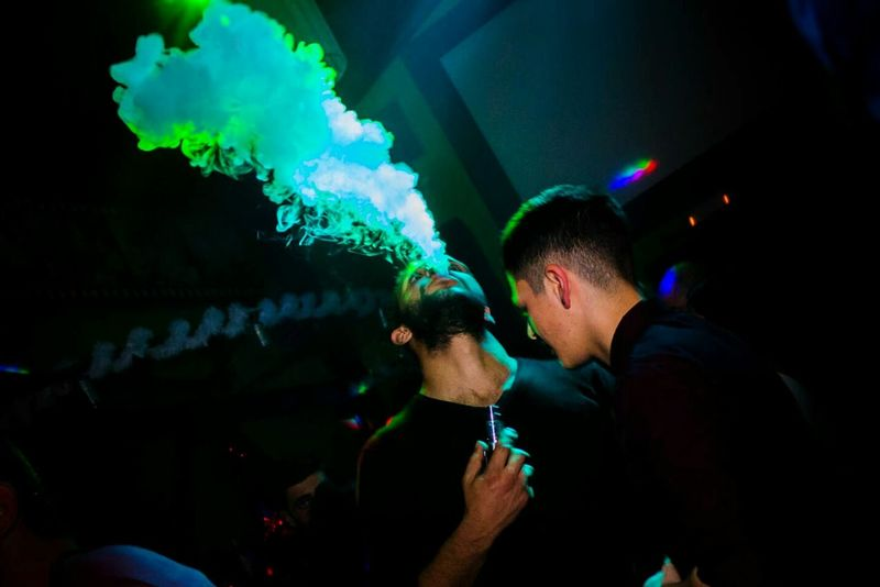All The Neon Lights Smoker Smoke Ciggarette Neon Neon Lights Nightlife