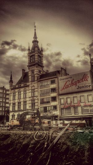 La Chapelle..... Urban Urban Landscape En construction... Construction Construction Site Charleking Hdr_Collection HDR EyeEm Best Shots Getting Inspired Sony Xperia