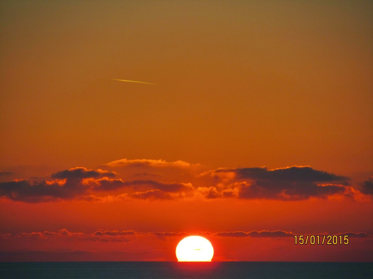 sunset, sky, scenics, beauty in nature, tranquility, nature, tranquil scene, sun, sea, outdoors, no people, cloud - sky, horizon over water, horizon, water, day