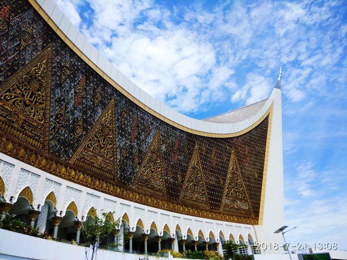Grand Mosque of West Sumatera Azharirim18 Azhari Sky Mosque Architecture Sumatera Mosque City Place Of Worship Religion History Sky Architecture Building Exterior Built Structure Cloud - Sky Architectural Feature Architectural Detail