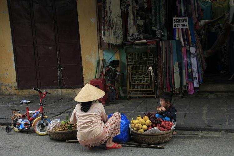Hoi An Non La Street Hawker Streetfood Streetphotography Vietnamese Vietnameseboy Vietnamesefood Live For The Story