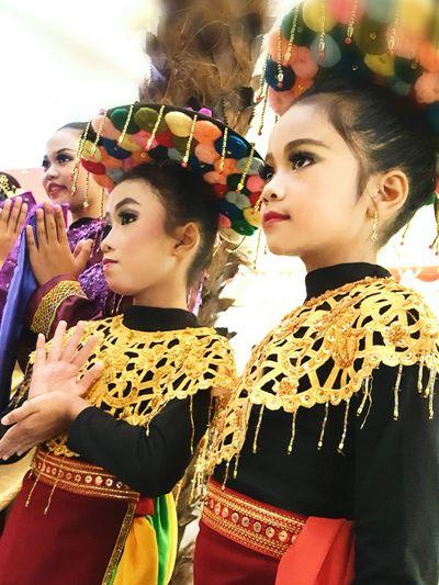 Betawi Dancer Girl Dancergirl Portrait Betawiculture Betawipunyegaye Traditional Clothing Traditional Costume Traditional Art Picture Of The Day Tadaa Community Taking Pictures Asian  Art Is Everywhere