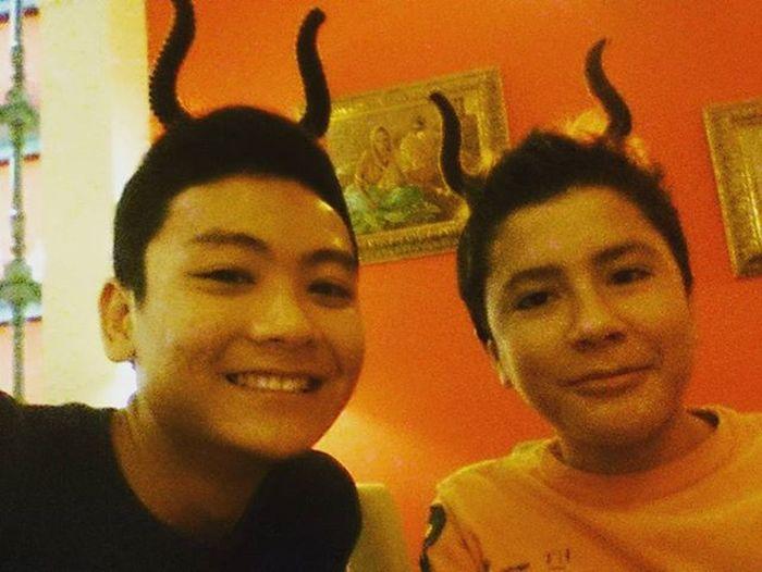 We are big poop cuz' we play Halloween before Halloween! Poop Diner Moon_Kaji Evening BeforHalloween Taurus Blabla Haha LOL Somuchfun Friend