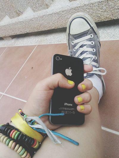 IPhone 4 Converse Selfie Natural