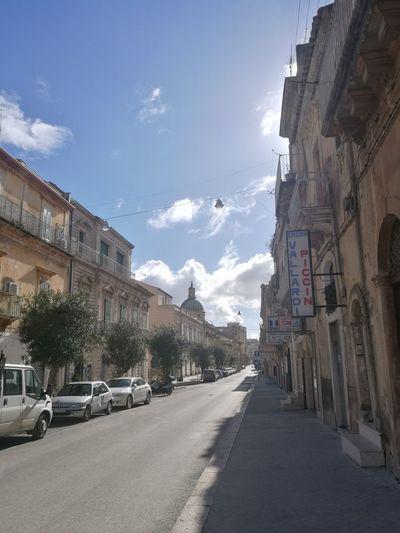 Via Roma,