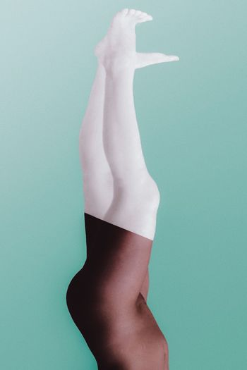 - THE GRACE JONES EFFECT - Colors Artsy Check this out Pastel Power Colour Your Horizn Colors Artsy Check This Out Blackandwhite Portrait Upside Down Spin Legs Human Body Part Studio Shot One Person Colored Background Young Women Standing Young Adult Indoors  Close-up Day People