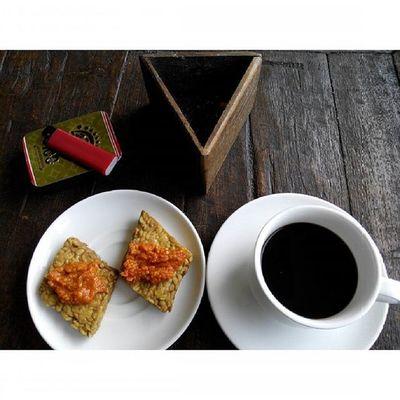 my Simple Traditional Breakfast Coffee Traditionalfood Sarapan Tradisional ku... Tempe Sambal Kopiitem at Kampunglumbung Kotabatu INDONESIA PwC Lenovotography Photooftheday Pocketphotography Photostory Lzybstrd