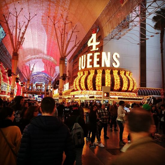 Las Vegas Freemont Street Experience Nevada Vegasbaby Crowd Illuminated Men