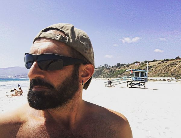 Robertoblasi Human Face Sky Headshot One Person Land Nature Young Men Glasses Portrait Real People Young Adult Men Lifestyles Beach Incidental People Sunglasses Beard Day Leisure Activity Fashion Outdoors