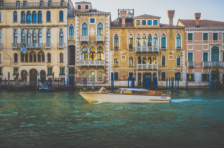 Venedig, Italien Architecture Boat Boating Canal Grande Europa Europe Venedig Venezia Venice Venice, Italy Watertaxi Fujifilm_xseries Fujixseries Italy❤️ Italy Italien Italia