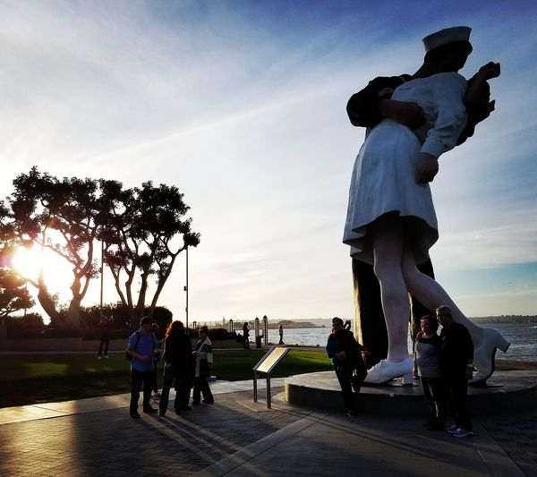 Appreciate all things. Silhouette Sunset Valeriegeephotography Vjdaykiss Nurse Sailor Victoryoverjapan San Diego Ca California Oahu Vacationmode Vacation Travel Travel Photography Outdoors Sea People