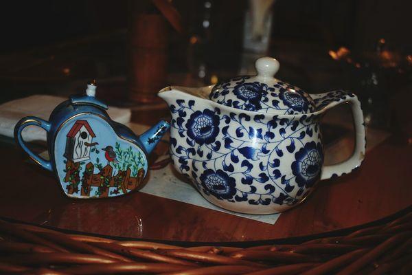 Teapot Japanese Tea Cup No People Bazaar Indoors  Day Tea Time Tea - Hot Drink Taste Of Home Tea Is Healthy Porcelain  Multi Colored Five O'clock Tea Tea Drink Tea Break Earl Grey Tea Green Tea ❤️ Lunch Time! English Breakfast Tea Taste It Tea Ceremony Art And Craft Antique Bird Lieblingsteil