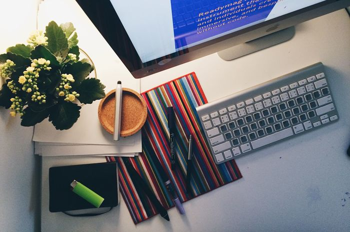 Computer Computer Keyboard Computers Day Desk Flower Indoors  No People Office Tech Technology Technology Everywhere Wireless Technology