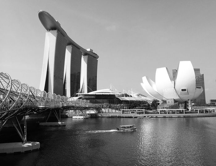 Artscience museum and marina bay sands against sky