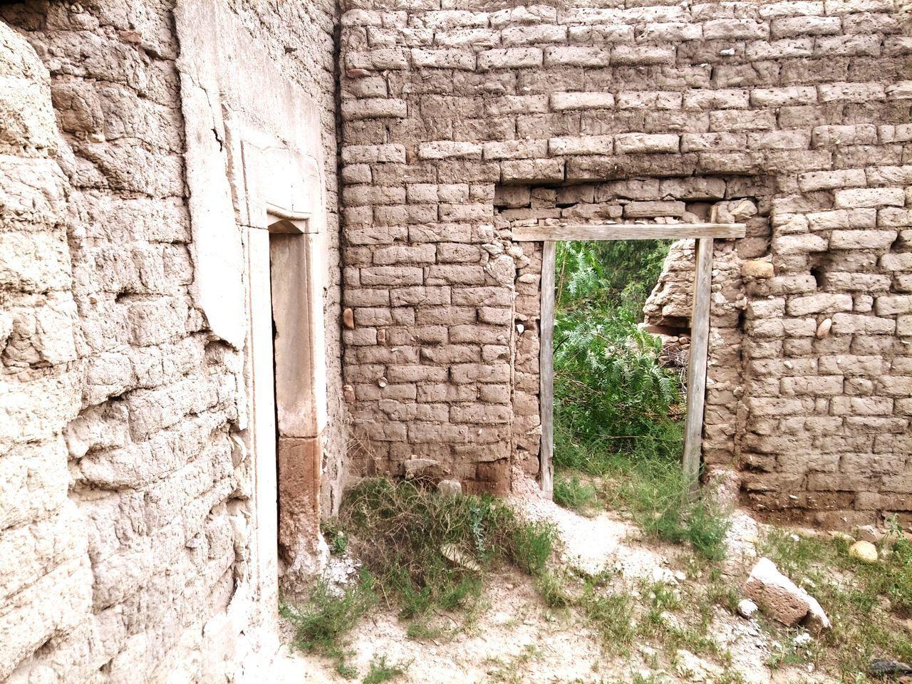 architecture, built structure, abandoned, old, door, entrance, weathered, building exterior, old ruin, no people, open, day, doorway, outdoors, open door, rotting