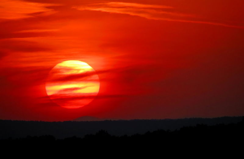 Sunset Sunset_collection Sunsetlover Sunset And Clouds  Sunsetphotographs Red Red Sky Nature Beauty In Nature Nature Photography Beauty In Nature Landscape