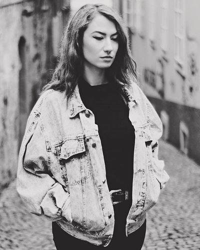 BW ❤ Blackandwhite Blackandwhitephotography Streetfashion Streetstyle Jeans Portrait PortraitPhotography Retrofashion