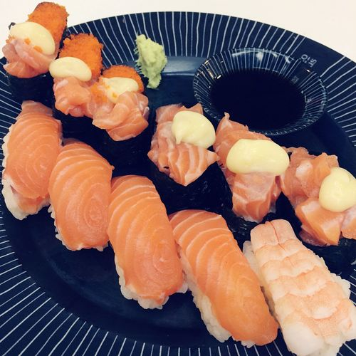 Food And Drink Food Freshness Seafood Indoors  Still Life Healthy Eating Wellbeing Ready-to-eat Japanese Food No People Asian Food Sushi Close-up Plate Serving Size Rice Indulgence Salmon - Seafood High Angle View