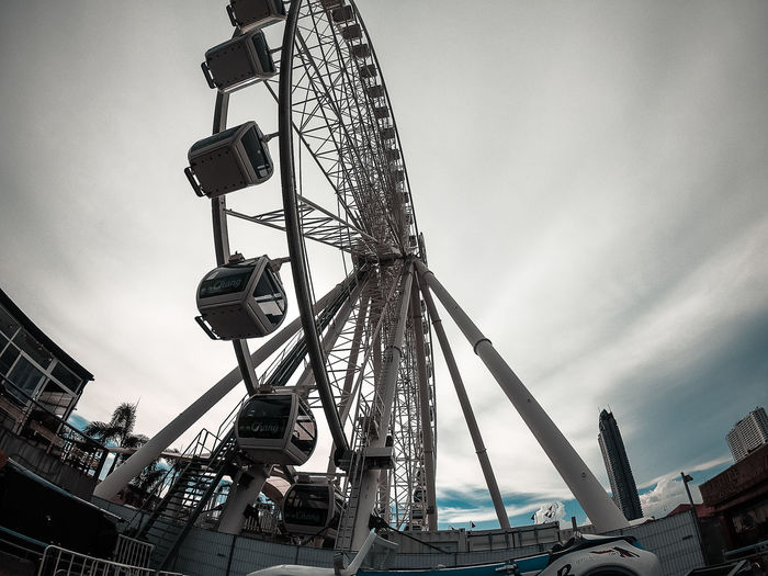 swing up down. Gopro Sky Low Angle View Built Structure Asiatique The Riverfront Cloud - Sky Nature Industry Day No People Outdoors