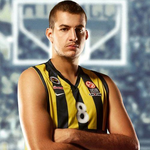Thy Euroleague mart 2015 ayi oyuncusu Fenerbahceulker formasi giyen NemanjaBjelica oldu. Bjelica oynanan nizhny olympiacos ea7emporio ve unicajamalaga maclarinda toplam 60 sayi, 36 ribaund, 12 asist, 3 top calma ve 4 blokla oynadi. Bu da mac basina ortalama 15 sayi, 9 ribaund, 3 asist ve 1 blok yapiyor. Ayrica mac basi index puani da 25 sarilacivert 1907 serbian basketball basketbol serbiansport istanbul