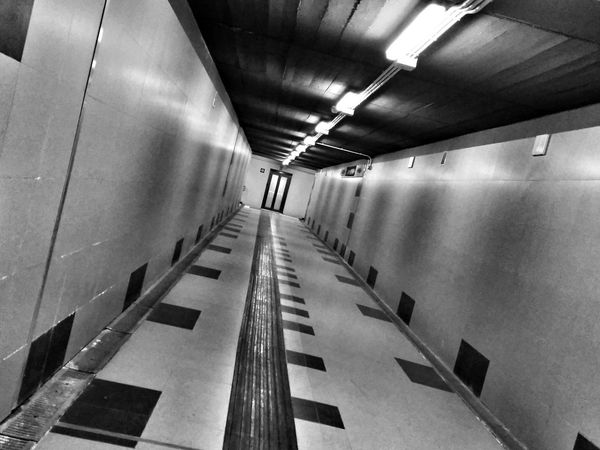 Black And White Lines Squares Tilted Head Change Your Perspective Tunnel Elevator