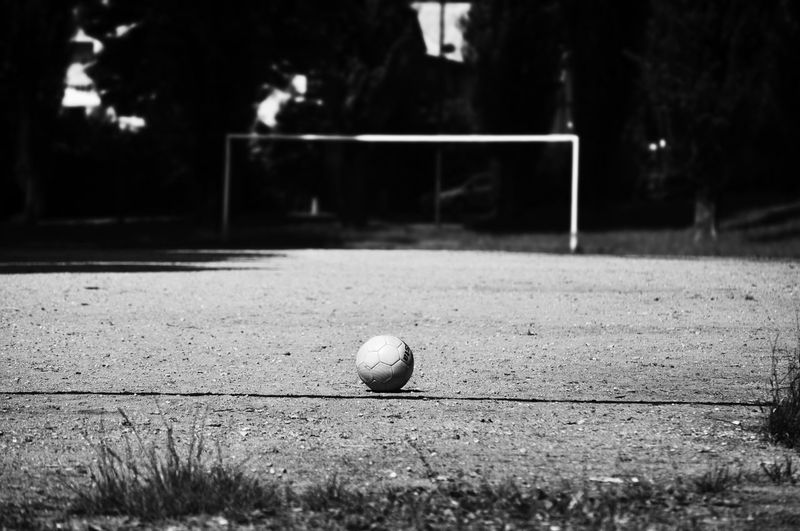 Football penalty EyeEmNewHere Football Football Goal Ball Biancoenero Blackandwhite Calcio Campetto Close-up Day Focus On Foreground Football Field Grass Land Light And Shadow No People Outdoors Penalty Playing Field Sphere Sport Sports Equipment