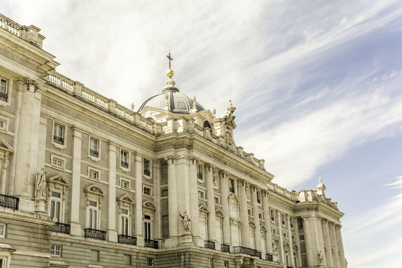 Royal palace of madrid against sky