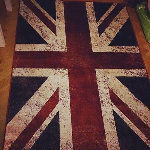 Fick världens snyggaste matta av syrrans kille!! TACK <3 Love Matta Brittiska Flagga snyggt tack London