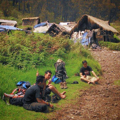 Pondokan Rehat Mtwelirang Goodhiking Hiking summit justwalk explorejatim happy