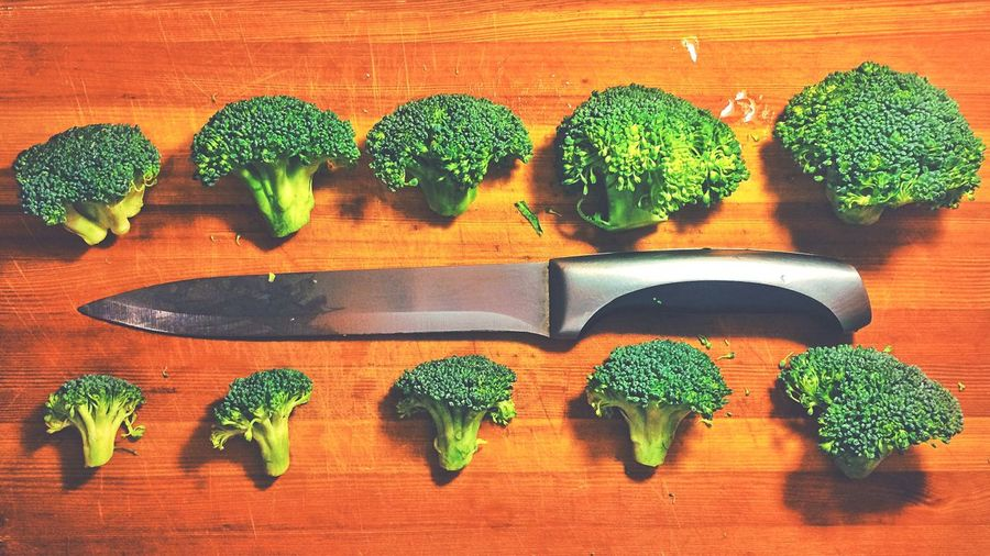 Everything In Its Place Broccoli Vegetables Vegetable Vegetables & Fruits Food Foodphotography Food Photography Food And Drink Foods Food♡ Foodpics Food <3 Foodpic Knife Knifes Green Green Color Greens Simple Simple Photography Simplicity Simple Things Cooking Beautifully Organized Visual Feast