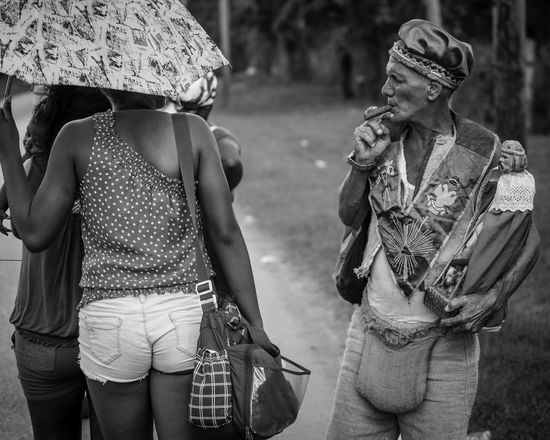 Pilgrim in Havana Cuba Havanna, Cuba Relationship Black And White Photography Blackandwhite Blackandwhite Photography Cuban Life Group Of People Looking Pilgrim Pilgrimage Be. Ready. EyeEmNewHere An Eye For Travel This Is Masculinity Focus On The Story The Street Photographer - 2018 EyeEm Awards