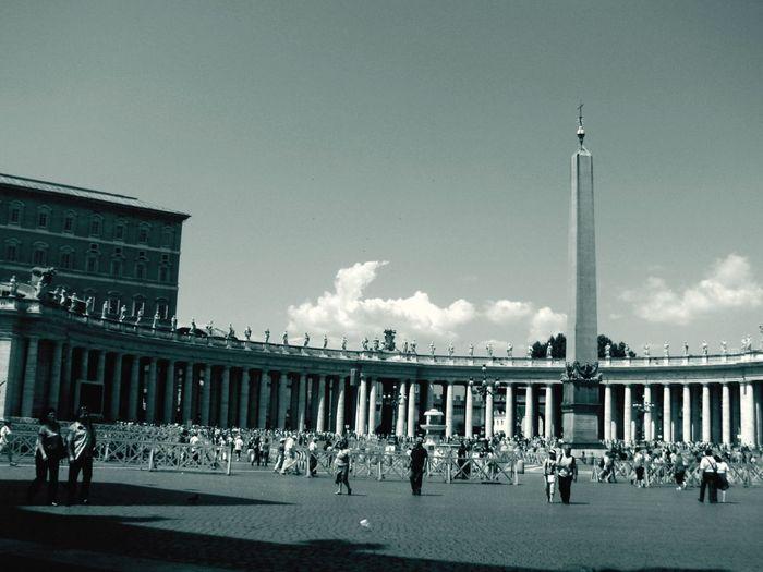 Another view of St. Peter's Piazza in Vatican Roma Italy Architecture Blackandwhite Landmark Eye4black&white  EyeEm Best Shots This Week On Eyeem