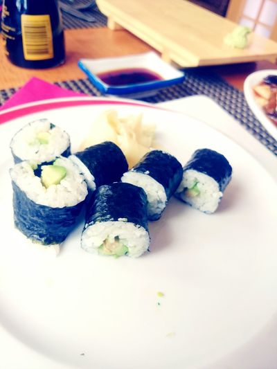 Maki Avocado Lunch
