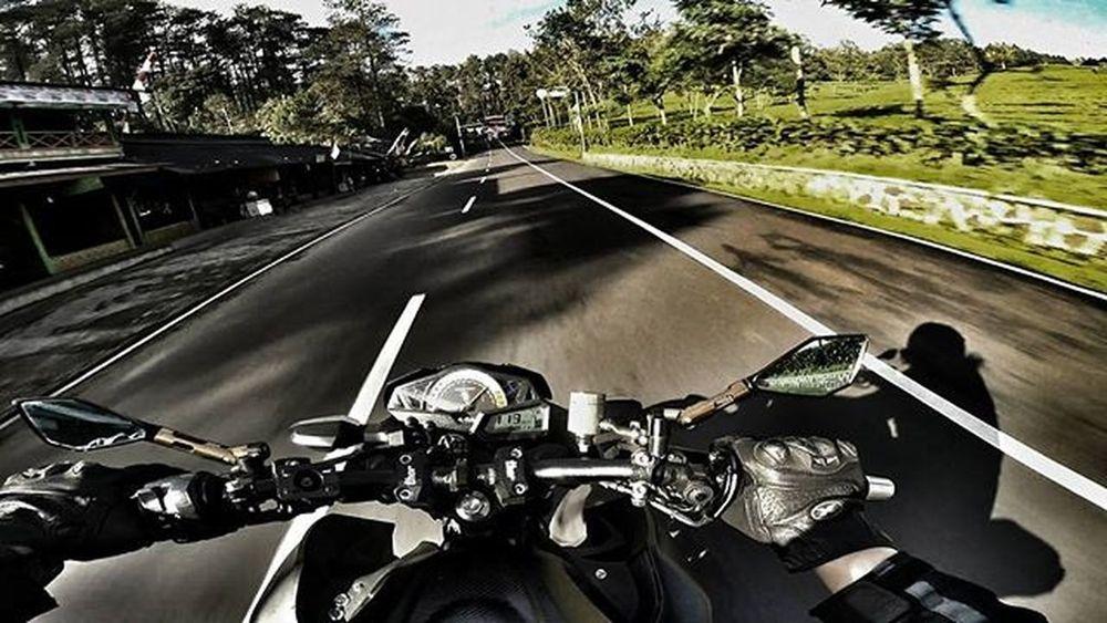 Motorcycle Kawi Kawination Kawasakiz250 Kawasaki Z250 Nakedbikenation NakedBike Ixs Eatsleepshift🔃 Komine Gopro Gopro3plus Goproblackedition Goproeverything Goprooftheday Goprohero3 Gopro_moment Val  2016 😚 RideOrDie The City Light