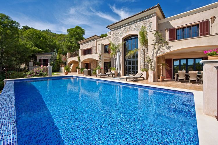 Villa mallorca Villa Real Estate Property Villa Pool Swimming Pool Architecture Blue Building Exterior Built Structure Water Poolside Wealth Luxury Outdoors