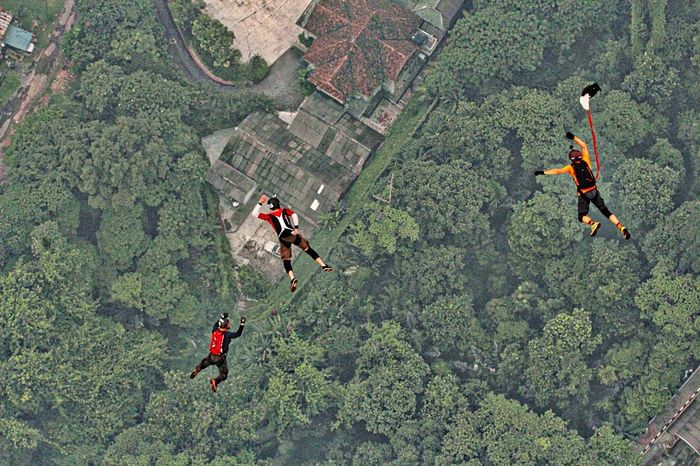 Three Base Jumpers  at the recent KL TOWER Base Jump 2015 Extreme Sports Capture The Moment Jump Shot Malaysia People Streetphotography Weekend Activities