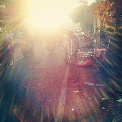 morning thunder market Sunrise Morningthunder Sun Skymadness Instagood Instafamous Instapop Instanusantara Photooftheday Instanesia Pictureoftheday Bali INDONESIA LangitBaliPhotowork